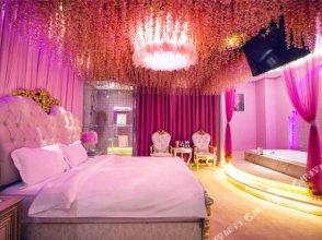 Swan Love Theme Hotel