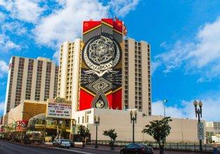 Plaza Hotel & Casino
