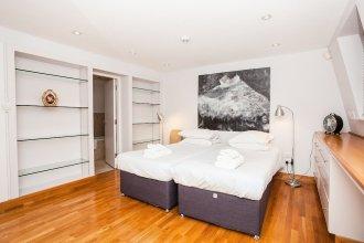 Spacious 1 Bedroom Flat in Victoria
