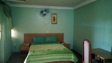 Mataan Hotel Suites