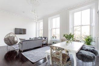 Luxury 4-bedroom Townhouse in Prestigious West End