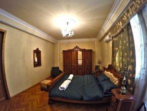 Classical Green Hostel