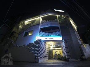 THAT House - Hostel