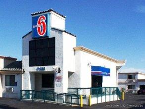 Motel 6 Canoga Park, CA