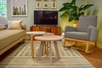 Modern 2 Bedroom West End Suite