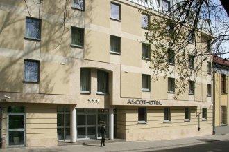 Ascot Hotel***