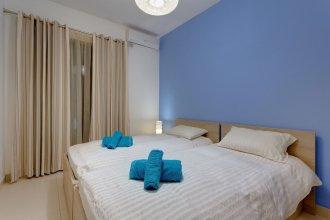 Luxury Apartment, Prime Location in St Julians