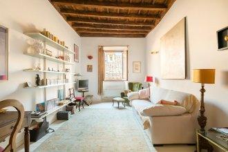 Reginella White Apartment