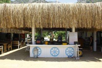 Golden Sand Beach & Caravan