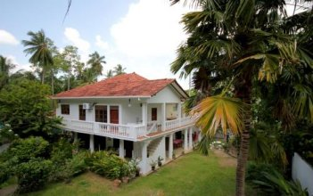 French Lotus Unawatuna Guest House