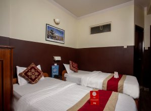 OYO 169 Hotel Cosmic