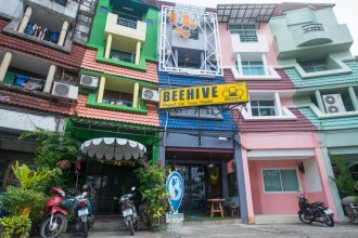 Beehive Phuket Old Town - Hostel