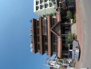 Sengtawan Riverside Hotel