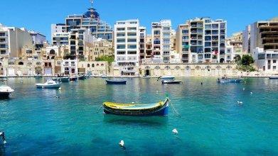 Modern-luxury in Tigne Point w/ Pool, Best Location
