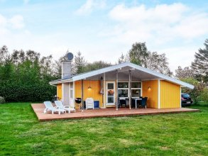 6 Person Holiday Home in Malling