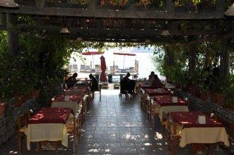 Yakamoz Restaurant & Pension