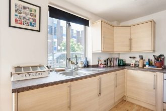 Quirky 1bed Sleeps 4, 10 Mins to Mile End Tube