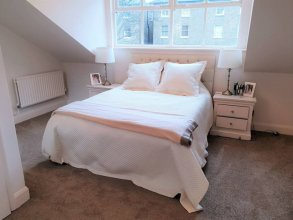 2 Bedroom Mews House in Maida Vale