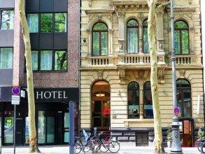 The Ascot Hotel