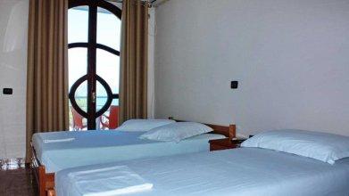 House Nika Horizonti. Hotel in Albania Radhima,Orikum,Vlora.