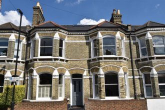 5 Bedroom House With Patio in Brixton