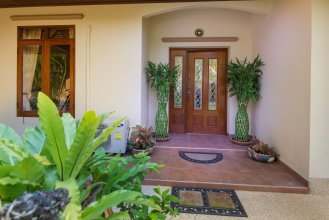 Luxury Holiday Villa Paradise