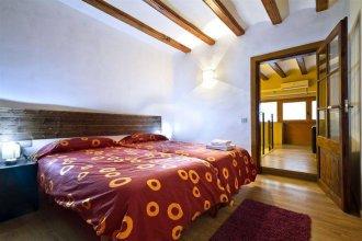 Raval Suites