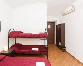 Romangelo 2 Hostel