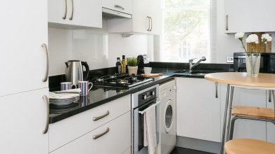 Traditional, Warm 1BR Flat in Maida Vale
