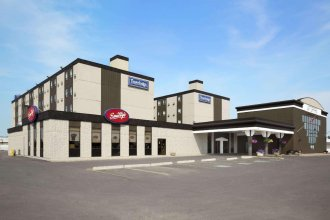 Travelodge by Wyndham Edmonton West
