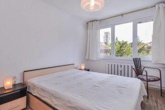 FM Deluxe 2-BDR Apartment - Simplisico