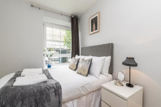 NEW 4BD Flat Next to the Oval Close to City Centre