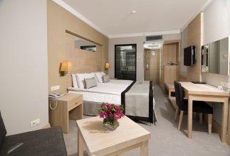 Отель Ramada Resort By Wyndham Bodrum