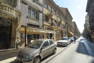 Pelicanstay next to Budapest Basillica