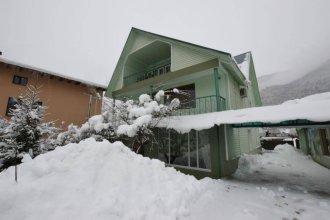 Green House Na Turchinskogo