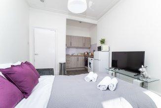 Klass Living - Dalmarnock Bridge Apartment - Book Direct for Best Rates