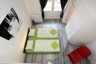 Apartment House - The Modern Flat
