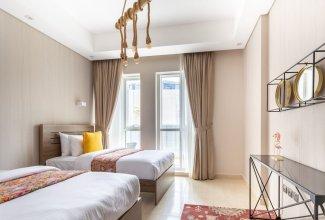 Artistically Designed 3BR in Downtown Dubai - Sleeps 8!
