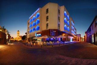 Отель Livadhiotis City