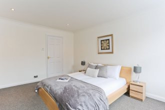 Platinum Apartments in Farringdon 9980