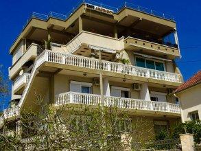 Apartments Tati