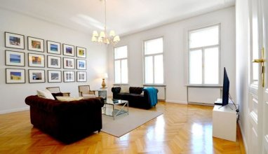 Vienna Residence Colossal Apartment With Balcony and Space for 8 Guests