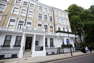 A Place Like Home - Two Bedroom Apartment in Knightsbridge