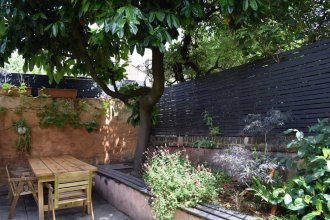 Sunny 2 Bedroom Garden Flat in the Heart of East London