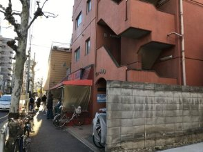 3 minutes walk from Oshiage station  Asakusa and Ueno are also nearby