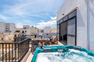 Getawaysmalta - Seashells Superior With 2 Terraces, sea View and Hot Tub Jacuzzi