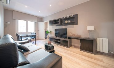 Comfortable 3-bedroom apartment next to Sagrada Familia - B377