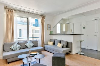 37 - Luxury Flat Montaigne