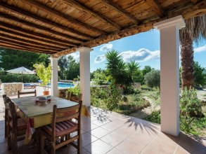 Splendid Mansion in San Rafael With Jacuzzi