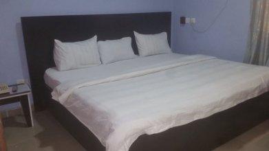 Allan Keri Hotel And Suites
